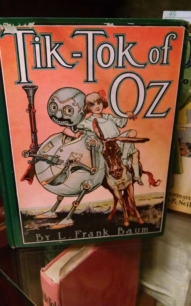 Vintage Wizard of OZ book covers